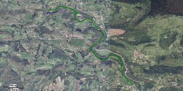 Imagen de satélite de la zona del Nansa donde está la el tramo de la Senda Fluvial desde Trascudia a Cades, que está marcada en verde.